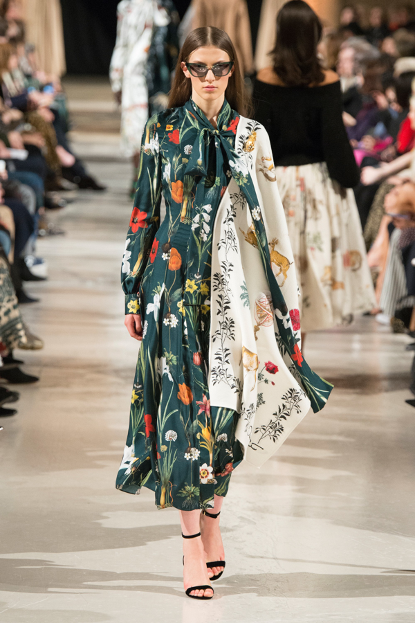 - This season the runways were in full bloom! So, it's official: you don't have to live in pants all winter long. A great maxi-dress is so versatile. Wear with heels or long boots for a polished look, or with sneakers and a belted cardigan for a low-key take. The higher your budget the more luxe the fabric (think silk and velvet). But knock-off versions are gorgeous, too, if you know where to look.Oscar de la Renta (photo credit: vogue.com)
