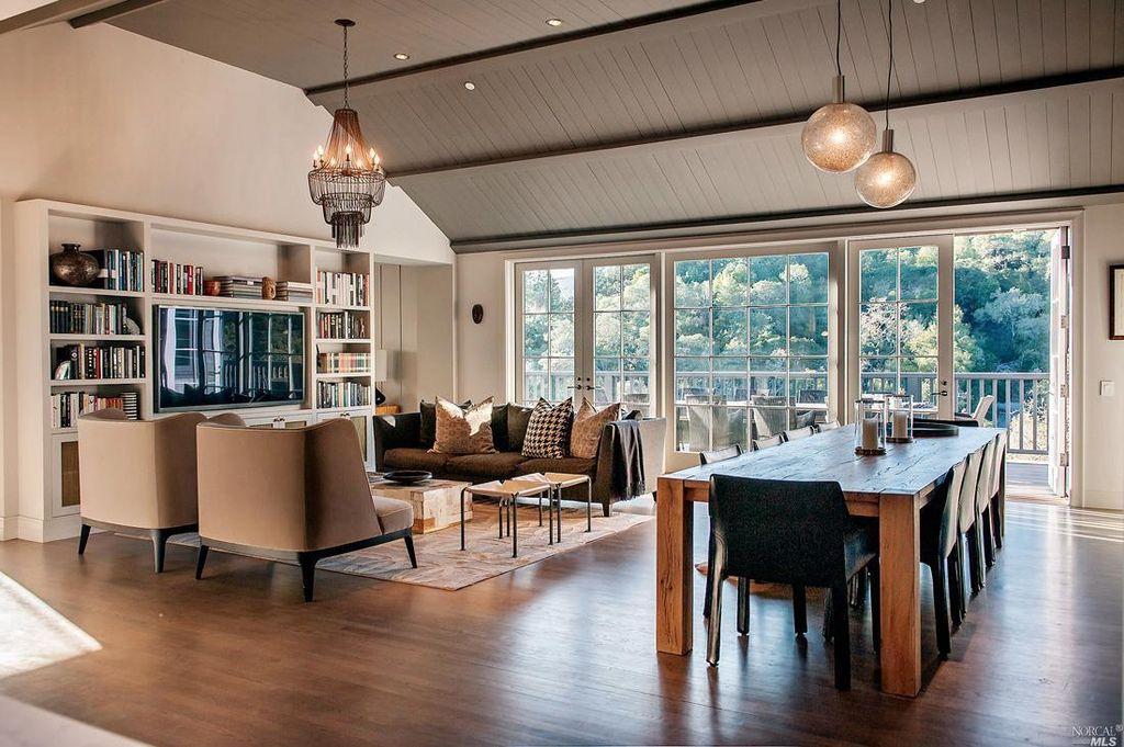 Winding Way_Living room.jpg