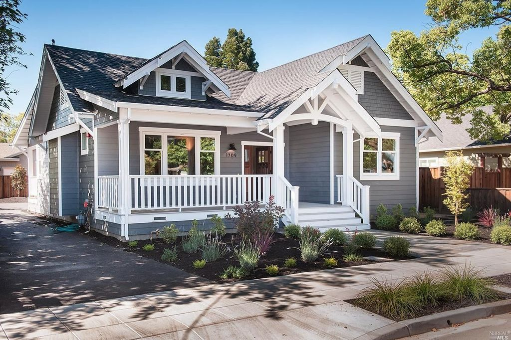 Napa House_front view.jpg
