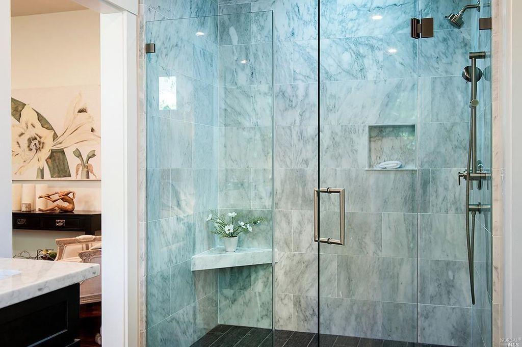 Napa House_bathroom shower with glass.jpg