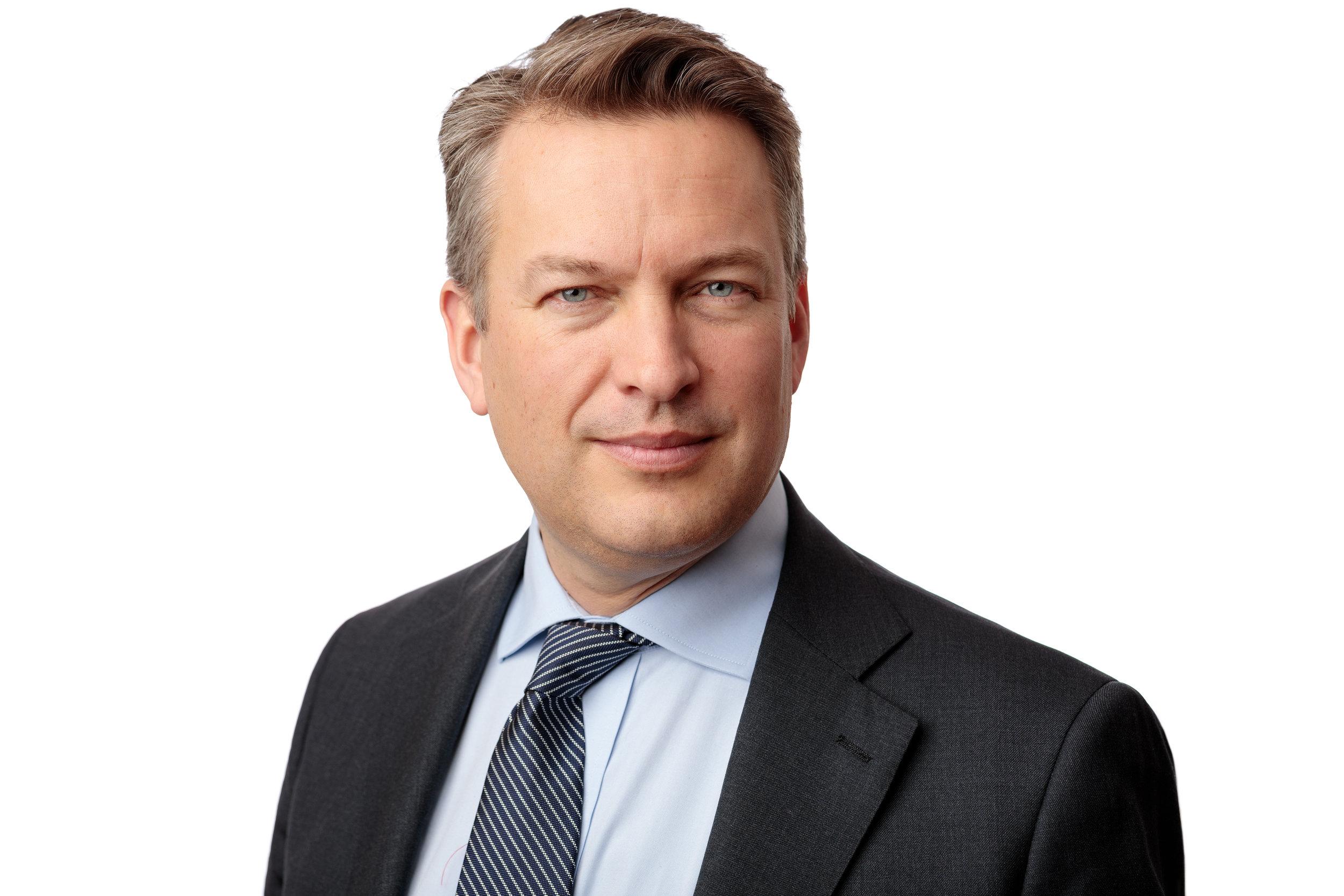 Daniel Källenfors - StyrelseledamotFödd: 1972Nuvarande befattning: Kommunstyrelsens ordförande, Lidingö stad.Tidigare befattningar: Head of TMT - DNB Bank ASA Sweden, CFO - Net1, Senior Vice President – Nordea Bank