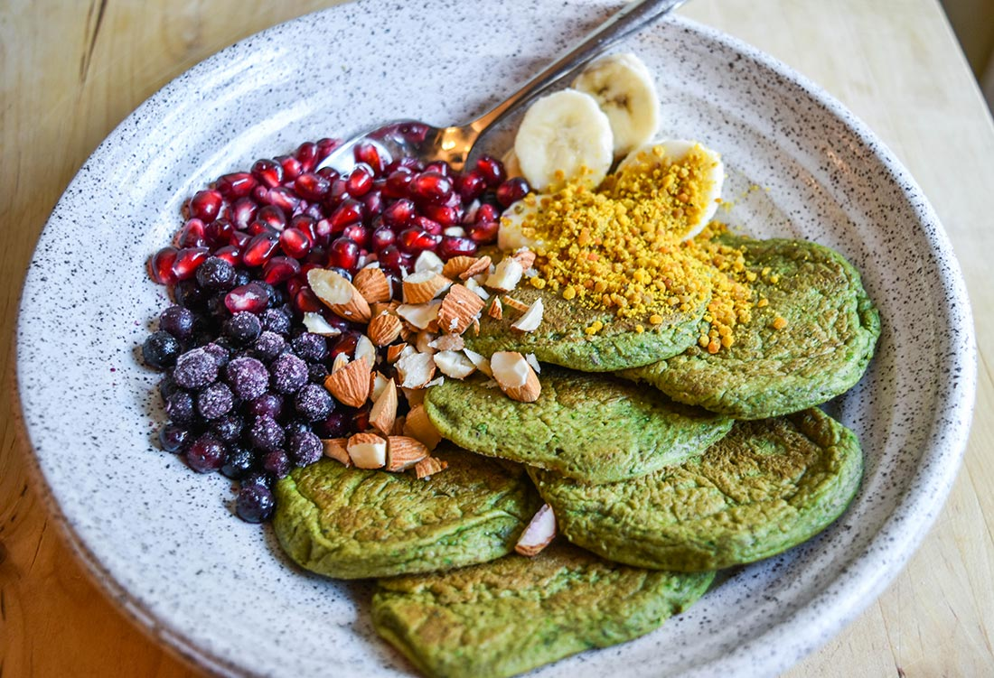 Banana, Spinach, and Spirulina Pancakes