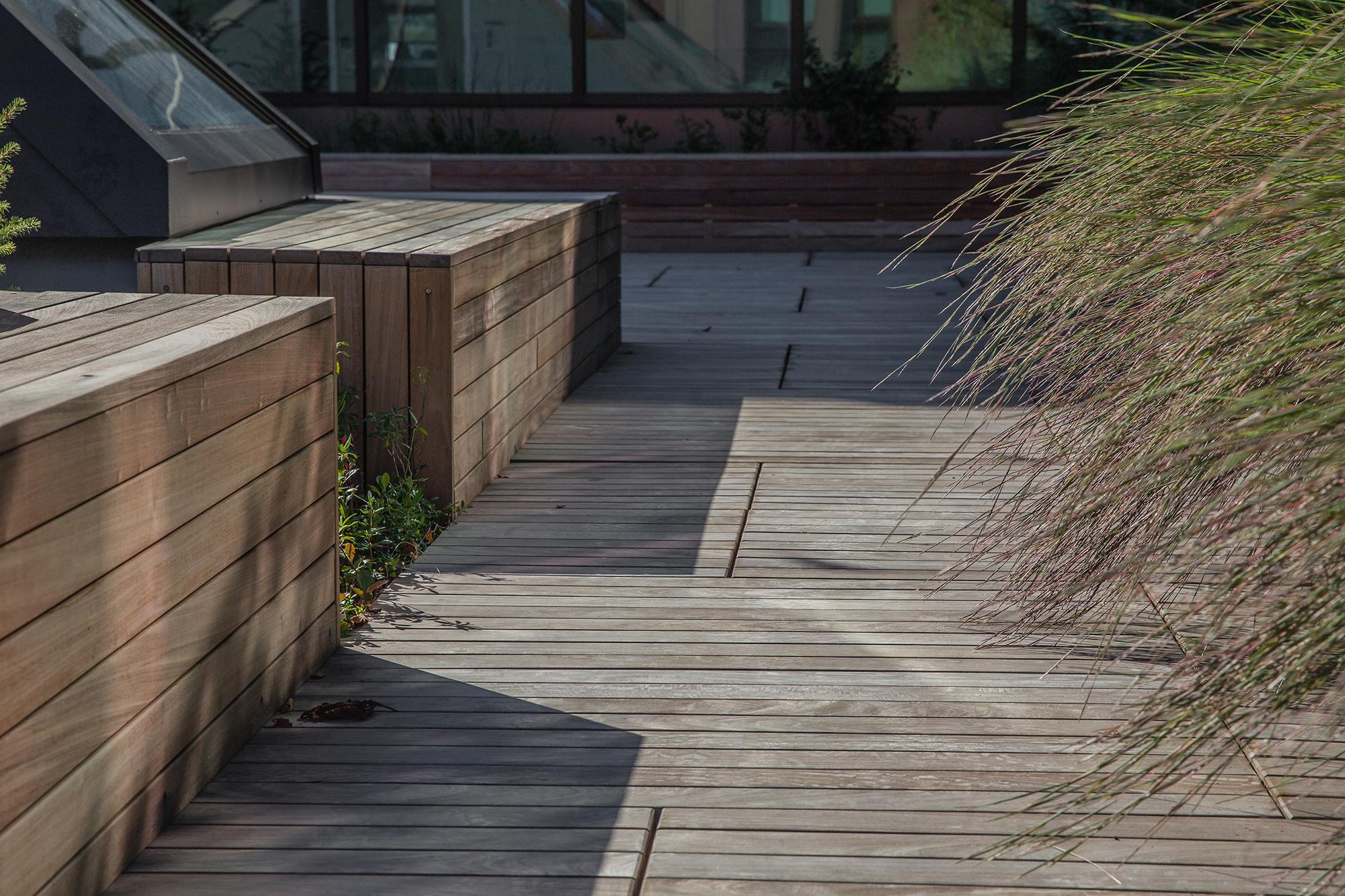 Ipe  Decking and Bench University of Massachusetts Amherst