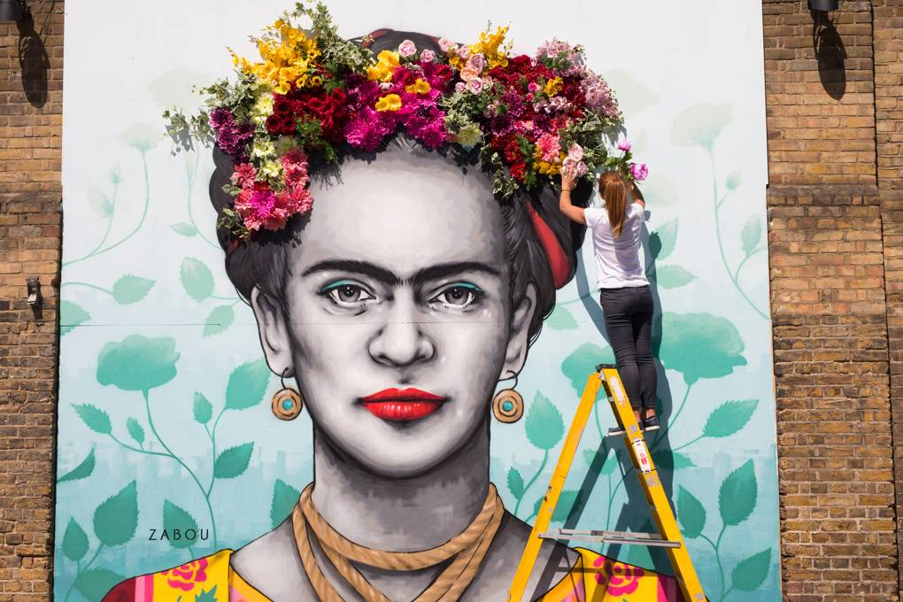 A mural of Frida Kahlo at Eccleston Yards for Belgravia in Bloom.