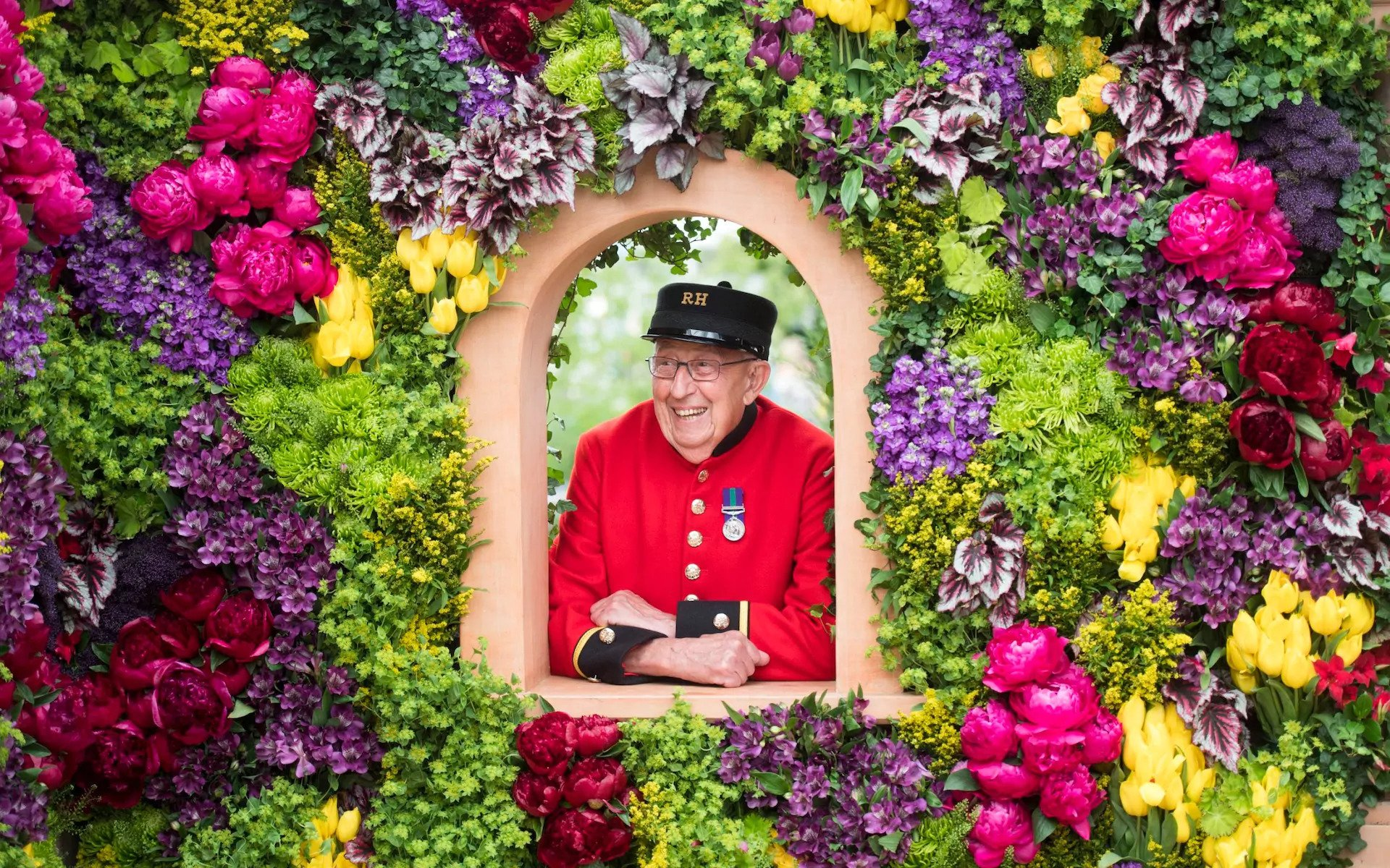 Chelsea Pensioner Ron Wilkins enjoying the show CREDIT: PAUL GROVER