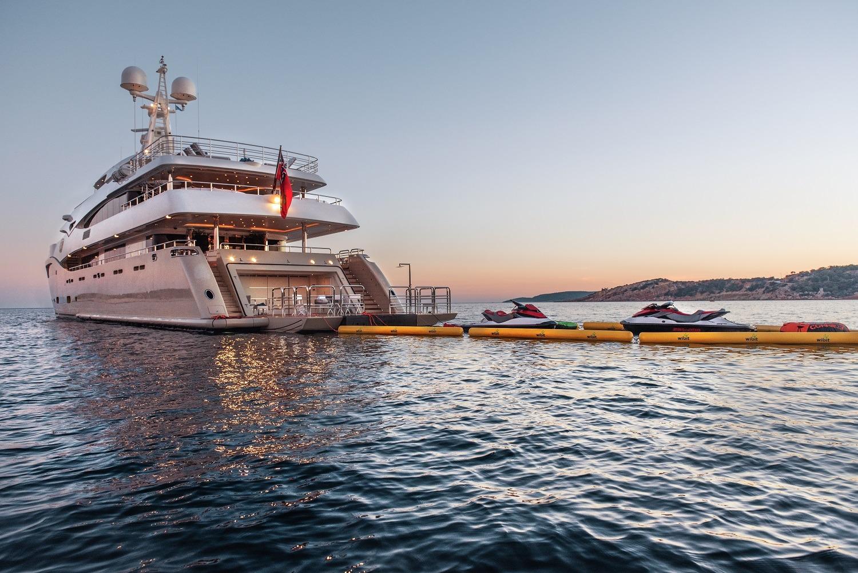 2 Yacht.jpg