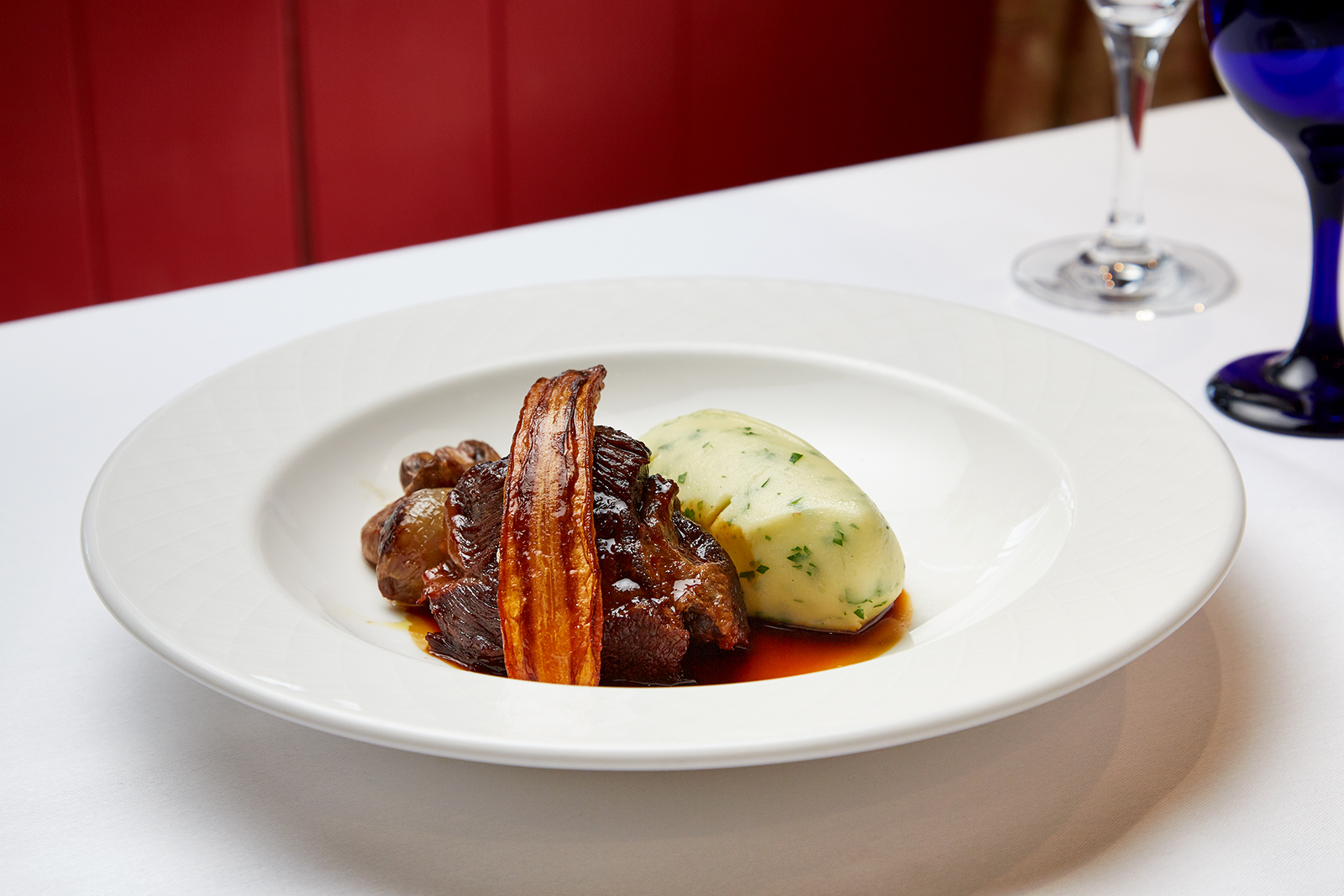 SE - Braised beef bourguignone, parsley mash potato, roasted carrot II.jpg