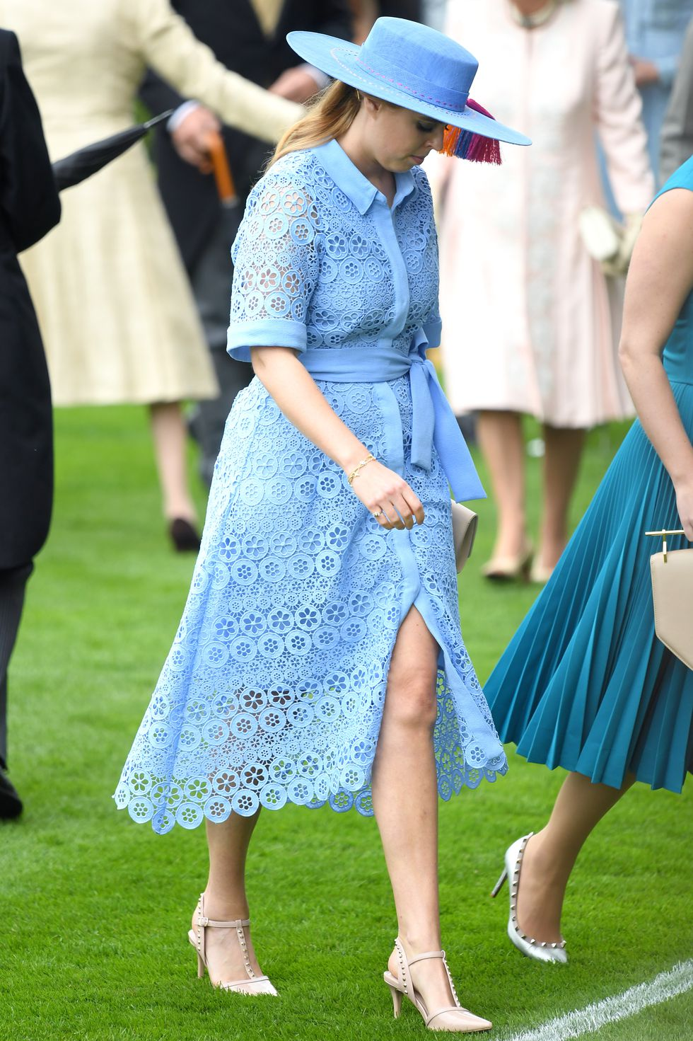 princess-beatrice-of-york-attends-day-one-of-royal-ascot-at-news-photo-1156770166-1560932583.jpg
