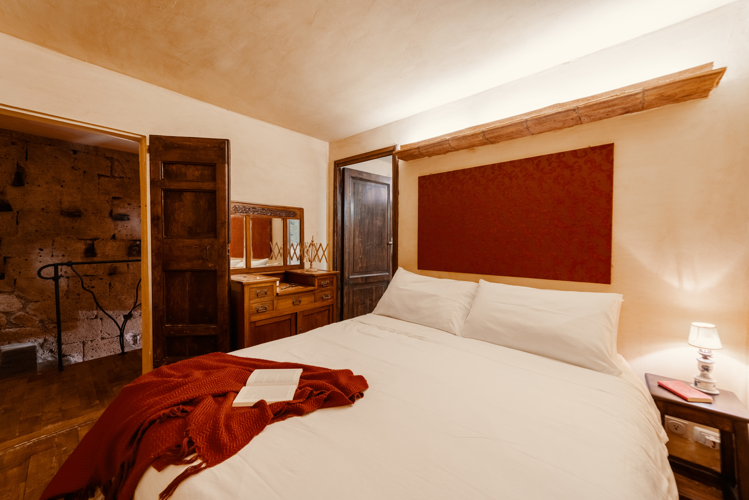 King bedroom with ensuite bathroom.