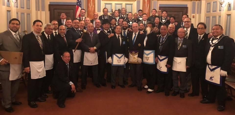 INTRODUCING the proud, new caretakers of the 4M District Traveling Gavel — Publicity Lodge No. 1000! WBro. Orlando Velez and the Publicity Brethren came in full force to Manahatta Lodge No. 449's DDGM Visitation on October 26, 2018 with the intent on taking the gavel (9 Publicity Brothers total were present).