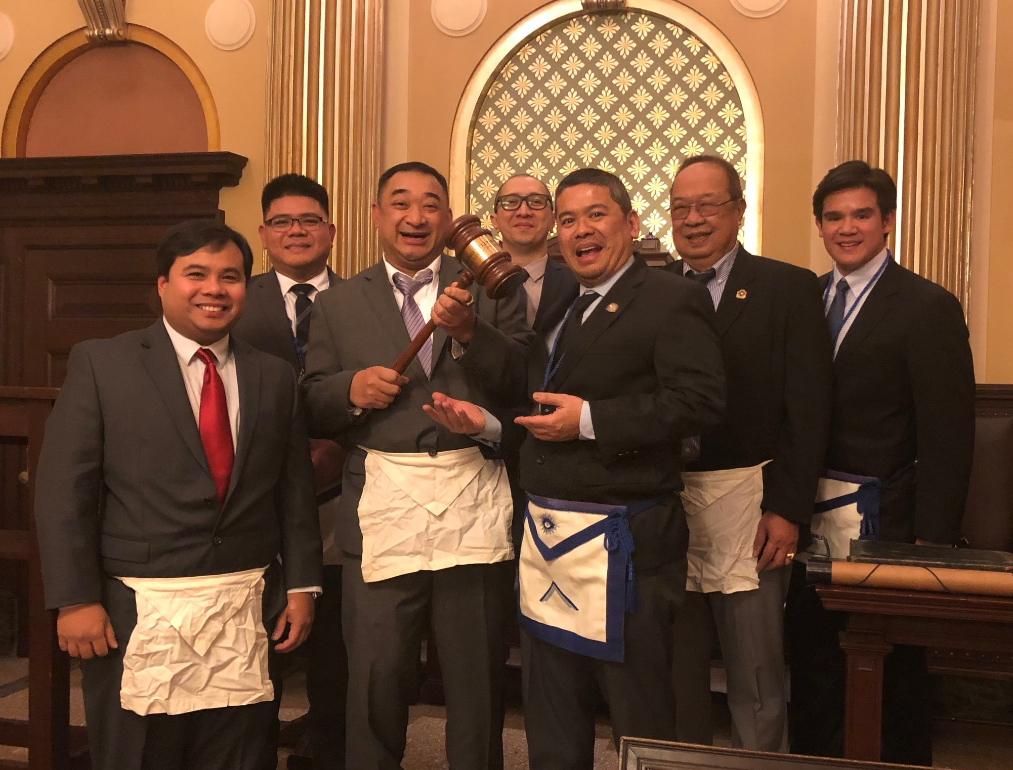 Manahatta Lodge No. 449 obtains the Traveling Gavel from Columbian Lodge No. 484 on Friday, January 18, 2019. Manahatta possesses it again!!!   From L-R: Bro. Kahrl Bigornia (Manahatta 449, Tiler), Bro. Ariel Domingo (Manahatta 449, Senior Steward), WBro. Benjie Santos (Manahatta 449, Master), Bro. Kenneth Garcia (Manahatta 449, Historian), WBro. Janzon Teng (Columbia 484, Master), Bro. Lito Belmonte (Manahatta 449, Senior Deacon), WBro. Jephthah Dais (Manahatta 449, Secretary).