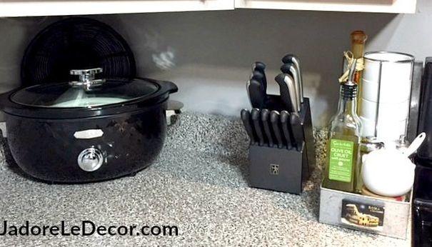 How to organize your small kitchen like a professional | www.JadoreLeDecor.com | Small home organization, kitchen organization