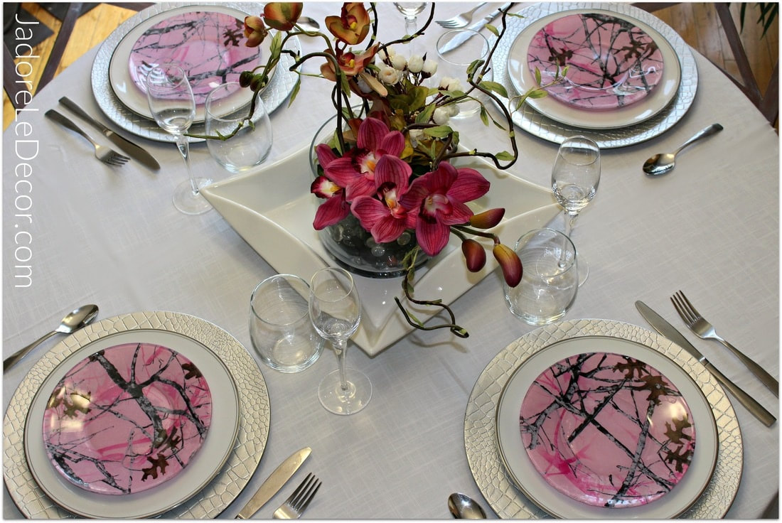 Want to create a memorable experience for your guests? Here are four main points you need to know to host an awesome dinner party.