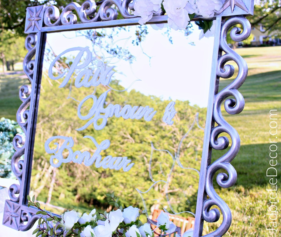 www.JadoreLeDecor.com  Learn how to make a mirrored sign with ease for your wedding, even if you don't have calligraphy skills.   Crafts   DIY   DIY Weddings