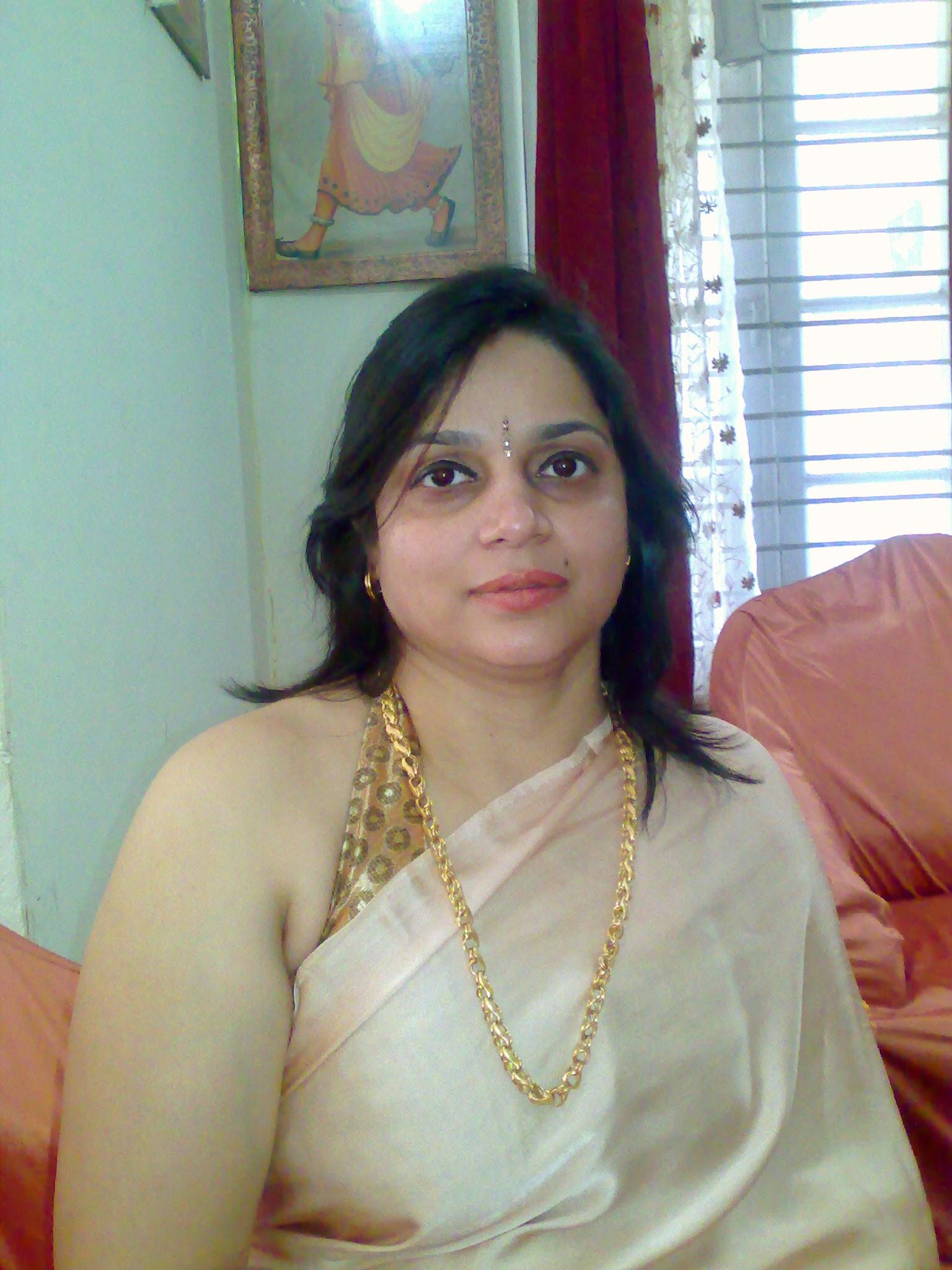 Nidhi Singh Author Photo.jpg