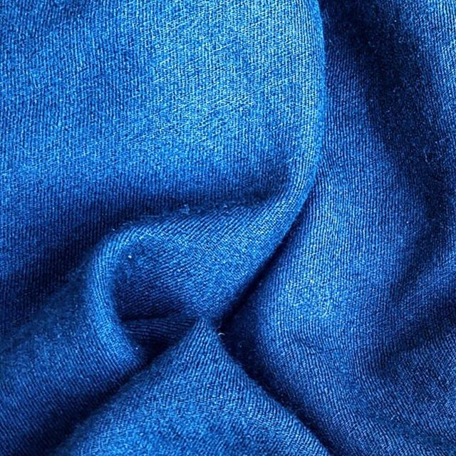 #HASSANNA super soft, super lightweight and super perfect. For #badass travellers everywhere. #livelifetothefullest #travelling #feasting #livinglife #shipwrecked #porquerolles #corsica #solotravel #newadventures #scarves #cashmere #puresilk