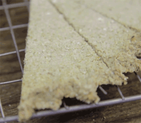oat-cake-2.png