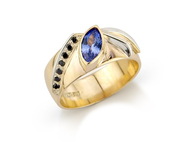 Black diamonds and tanzanite on the band design ring in 9ct