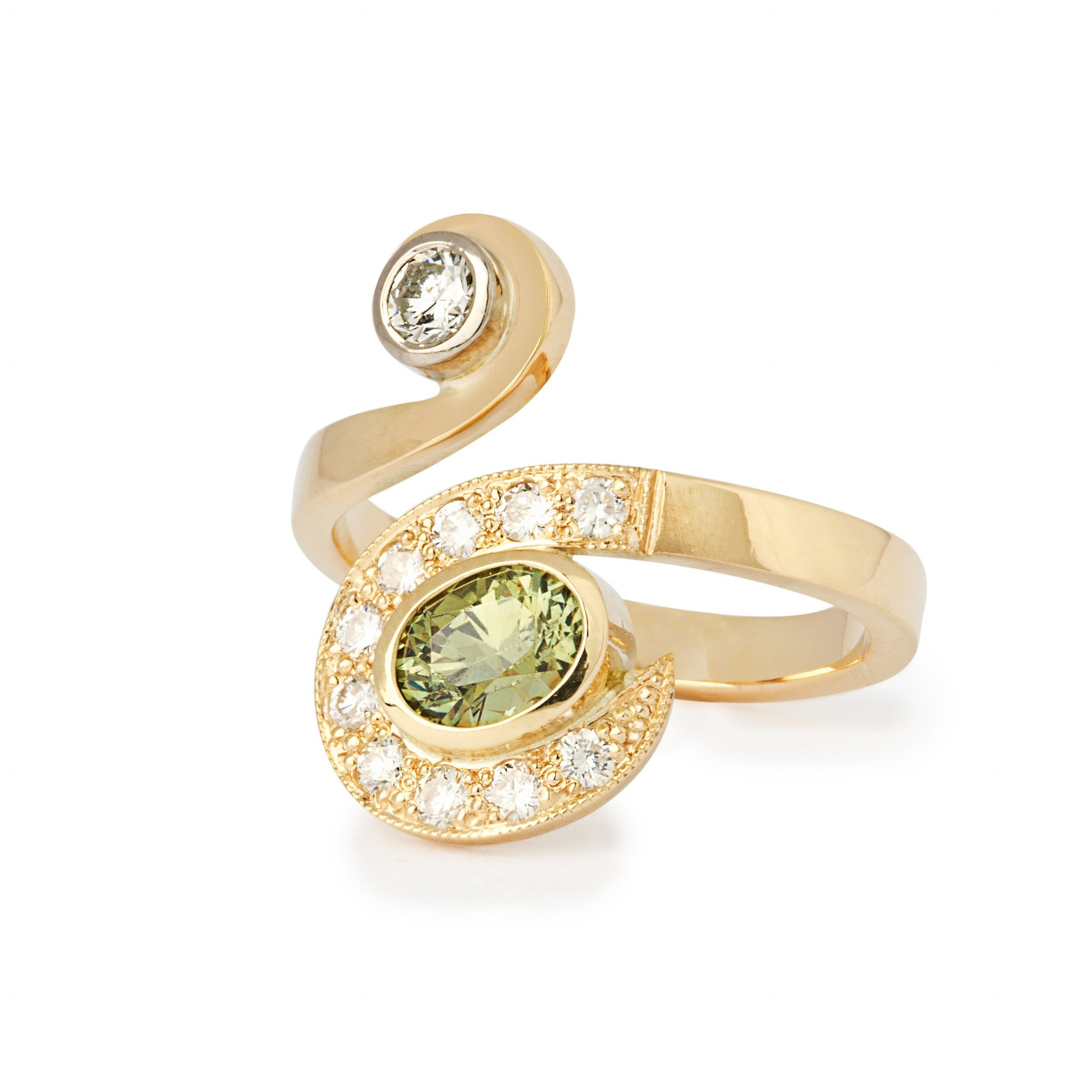 Demantoid and diamond in 18ct yellow gold ring this is stunning simple and effective