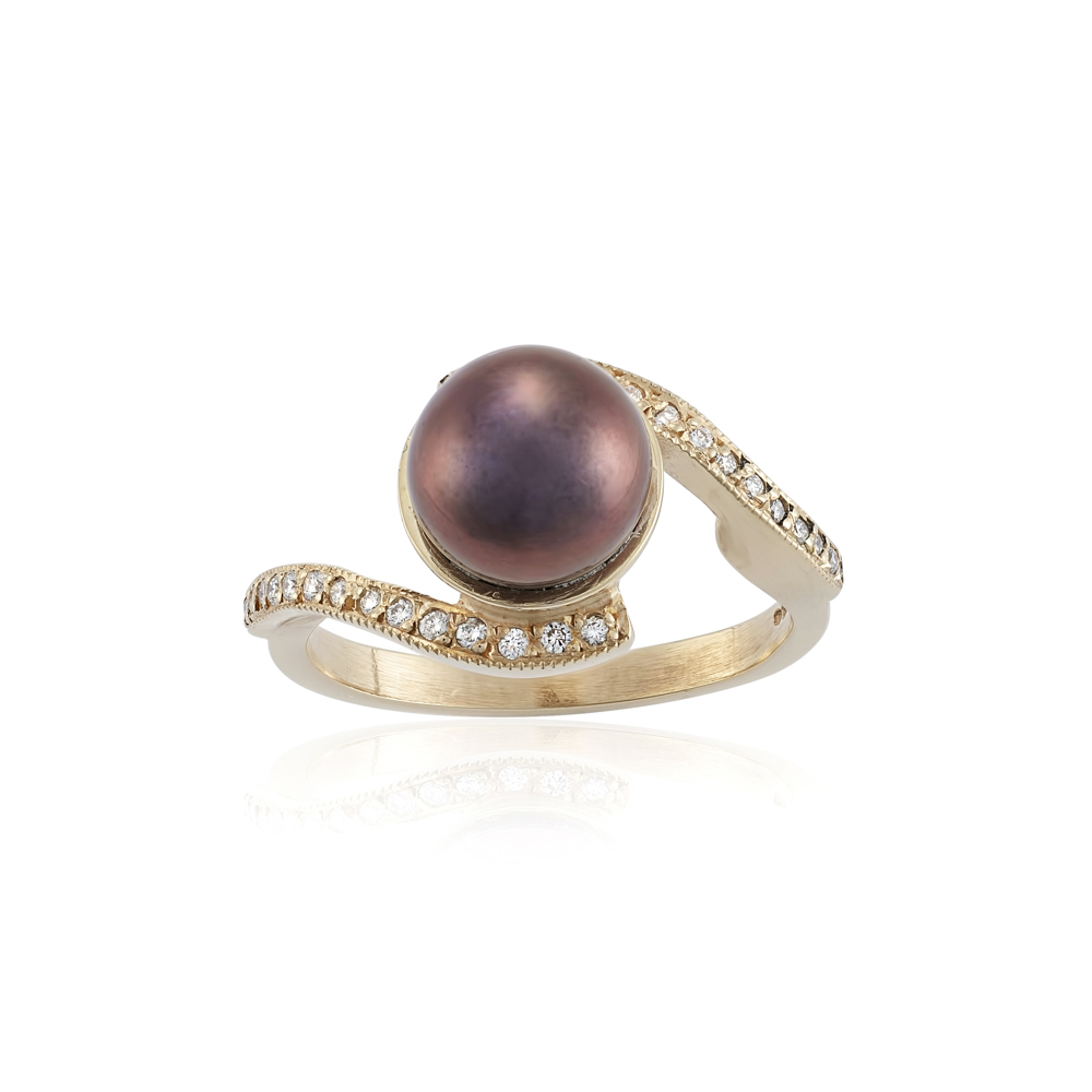 Freshwater pear with Diamonds set into this pretty ring , this ring will fit over another band ring .  AVAILABLE  ring size M