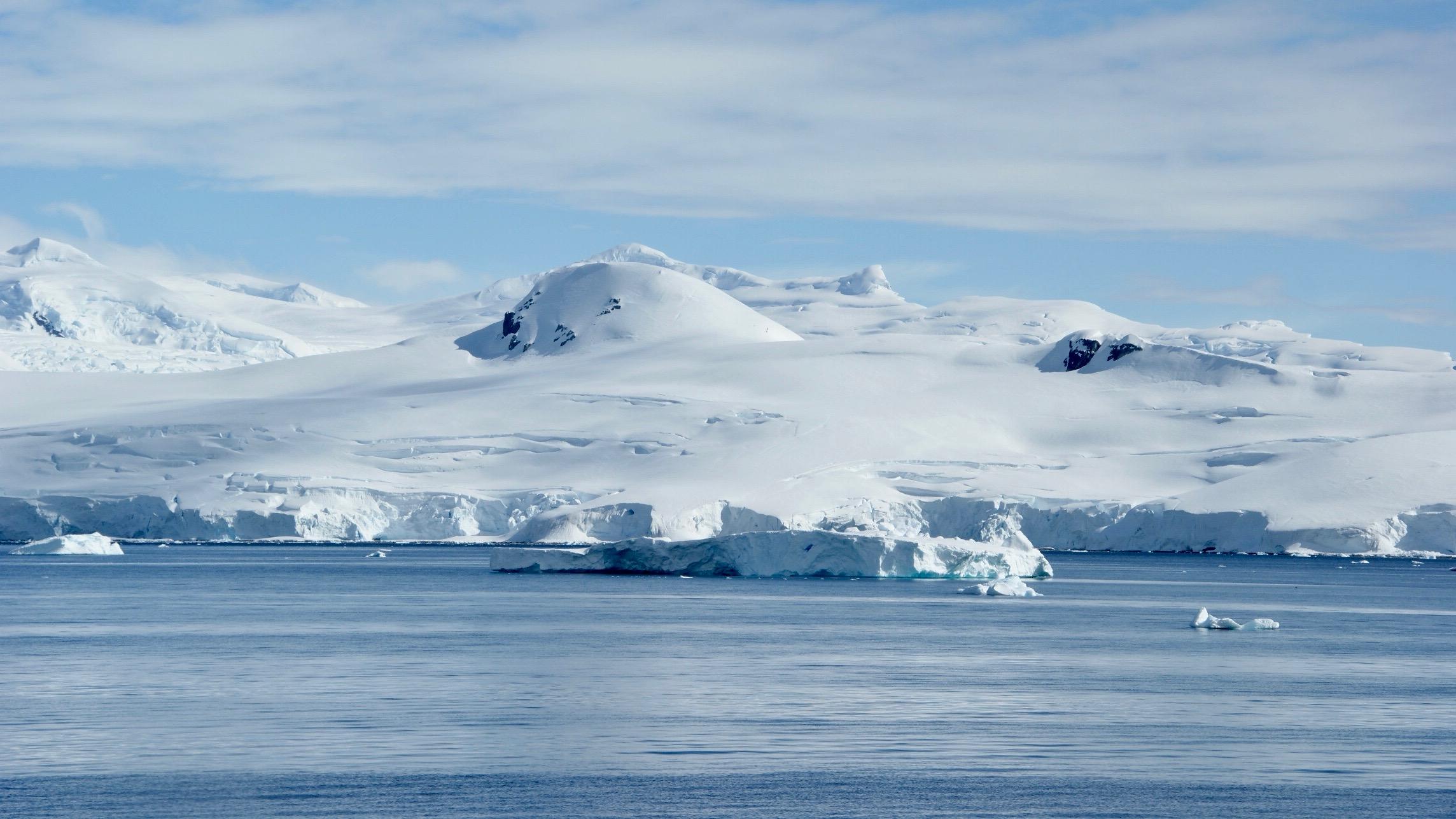 antarctica-PX52BR6.jpg