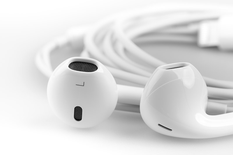 A pair of headphones that can be bought from a shop in Philadelphia, PA selling discount iphone accessories