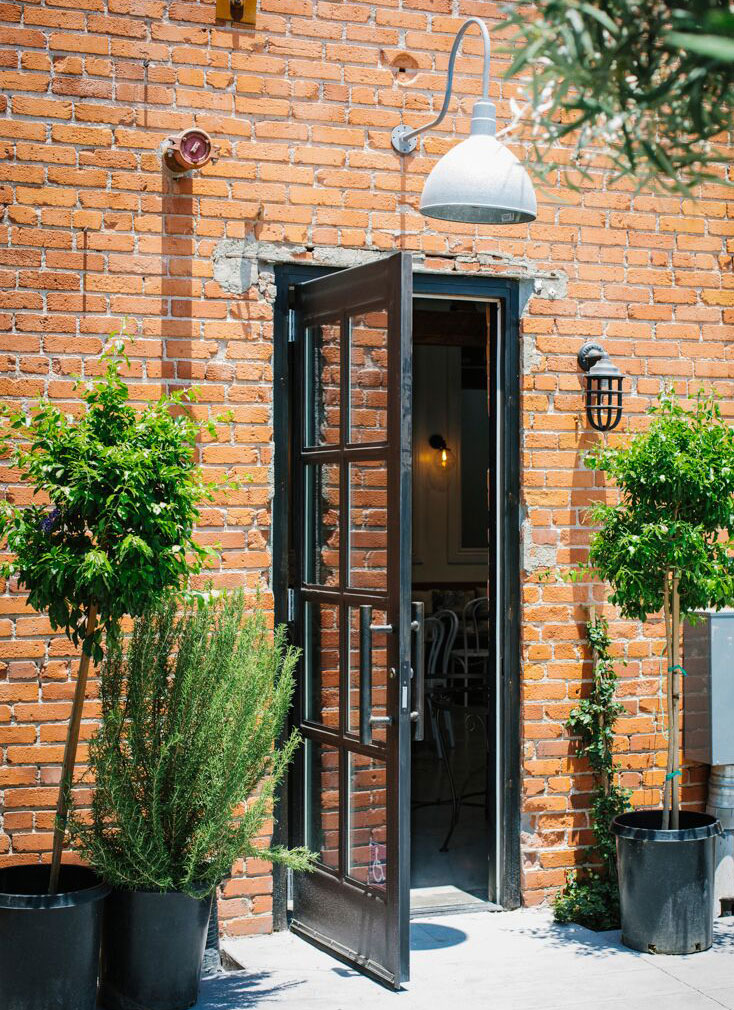 Larchmont-Bungalow-Cafe-Contact-3.jpg
