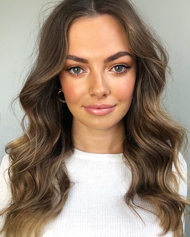 A natural glow on the gorgeous @taylorevans_  Using  Hair @oribeaustralia Dry Texturising Spray & Flash Form Spray Wax  Face Base Prep @rationale Immunologist Ultra Creme  Foundation @kevynaucoin The Etherealist Skin Illuminating Foundation @meccacosmetica @meccamaxima  Highlighter @curtiscollection Radiant Glow Illuminator Cheeks @tomfordbeauty Bronzing Gel Brows @benefitaustralia Precisely My Brow & Gimme Brow  Eyes @hourglasscosmetics Ultralight Bronzer Mascara @kevynaucoin Volume Mascara  Lashes @modelrocklashes Ultra Lux Individuals  Lips @maccosmeticsaustralia Shanghai Spice & Creme D'Nude #meccabeautyjunkie