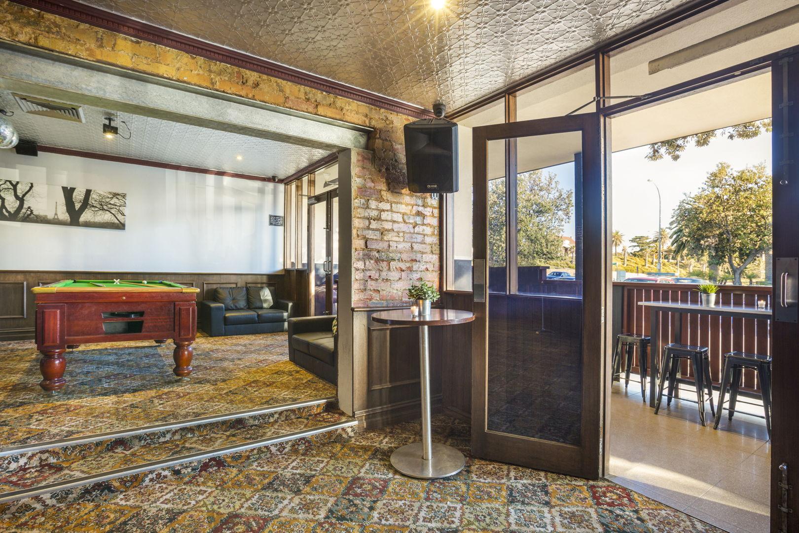 pier-hotel-flanagans-irish-bar (3).jpg