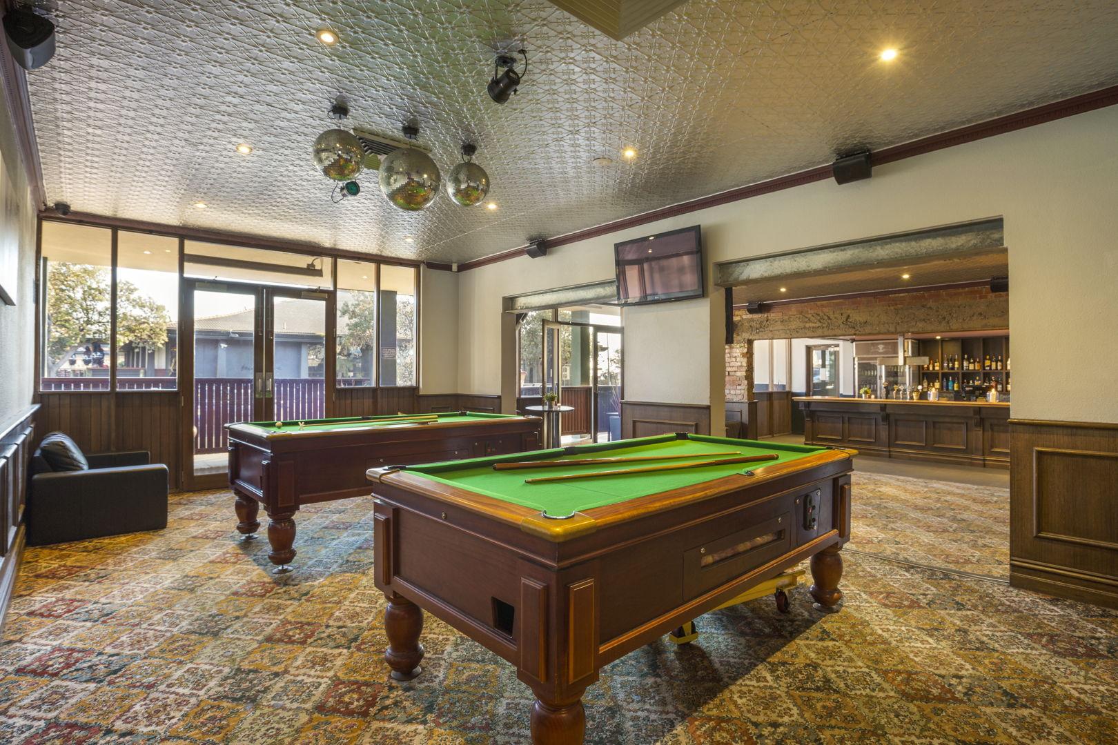 pier-hotel-flanagans-irish-bar (1).jpg