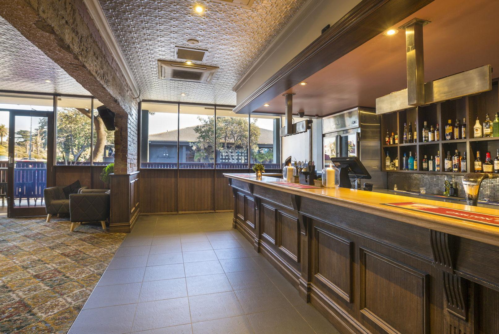 pier-hotel-flanagans-irish-bar (2).jpg