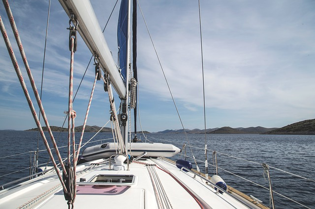 sailboat-950352_640.jpg