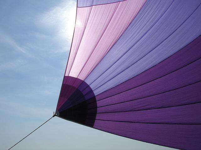 sailing-387608_640.jpg