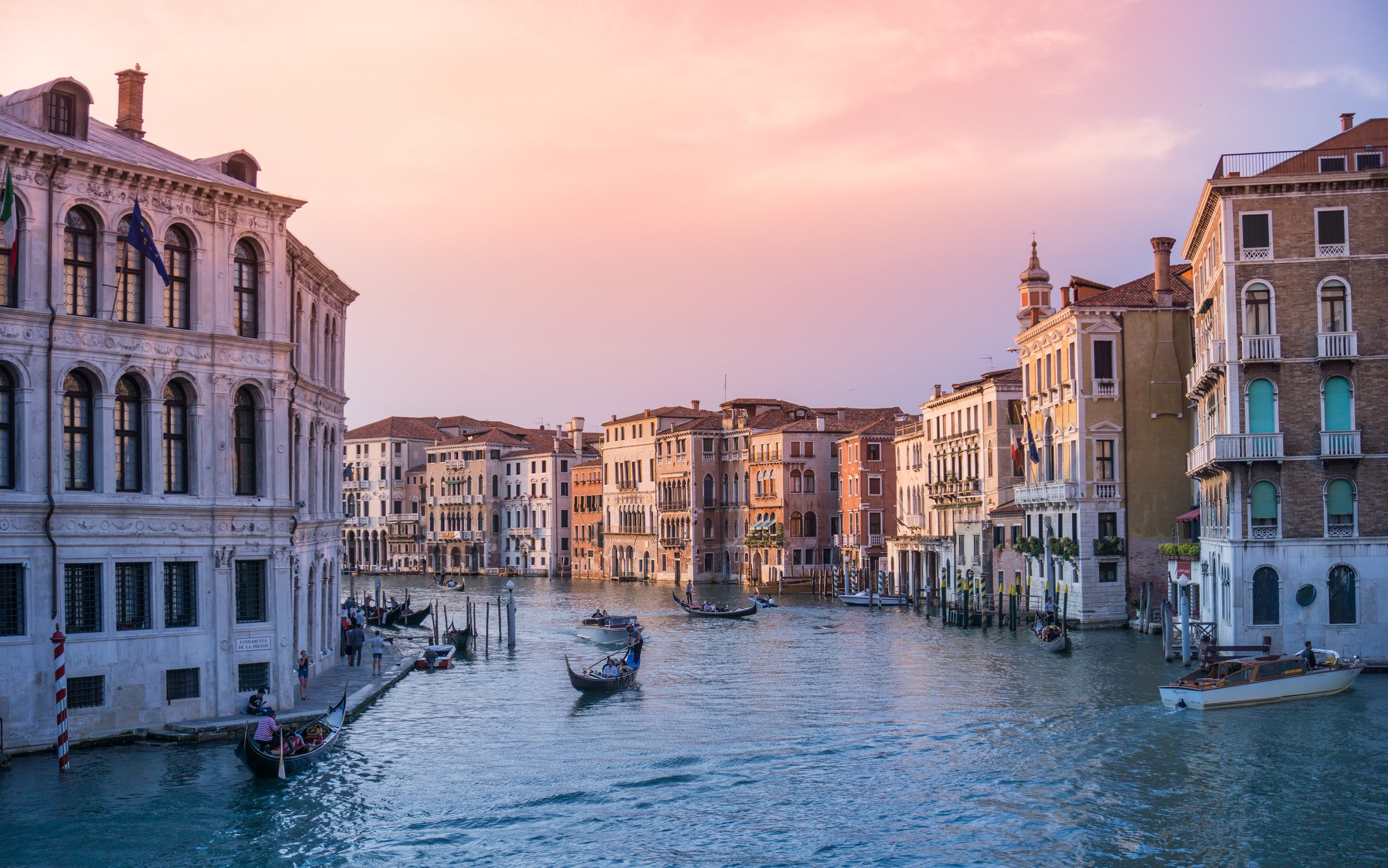 Work In Italy Without A Visa - Work (and get paid!) in the land of pizza and pasta – it's easy, legal, and you'll have the time of your life.
