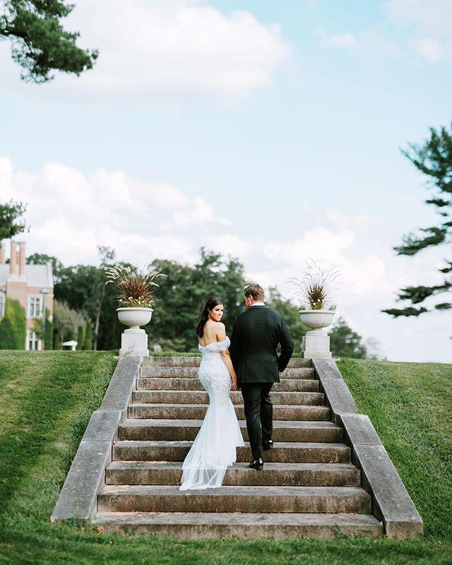 When she looks back at it 💛😉 ⠀⠀⠀⠀⠀⠀⠀⠀⠀⠀⠀⠀⠀⠀⠀⠀⠀⠀ ⠀⠀⠀⠀⠀⠀⠀⠀⠀ ⠀⠀⠀⠀⠀⠀⠀⠀⠀⠀ photo // @claireloveslove ⠀ mua // @makeupjenielle dress // @nettabenshabu.official ⠀⠀⠀⠀⠀⠀⠀⠀⠀@weddingateliernyc Planning + Design// @socialifeevents ⠀ ⠀ ⠀ #beauty #bride #hair #longhair #wedding #groom #weddingdress #happy #love #hairstylist #laugh #marriage #stylemepretty #bridalhair #weddinghair #natirarwedding #marissamolnarhair #weddingphotography #brunette #theknot #love #hairstylist #marissamolnarhair #makeup #weddingmakeup #bridalmakeup #hairstyles