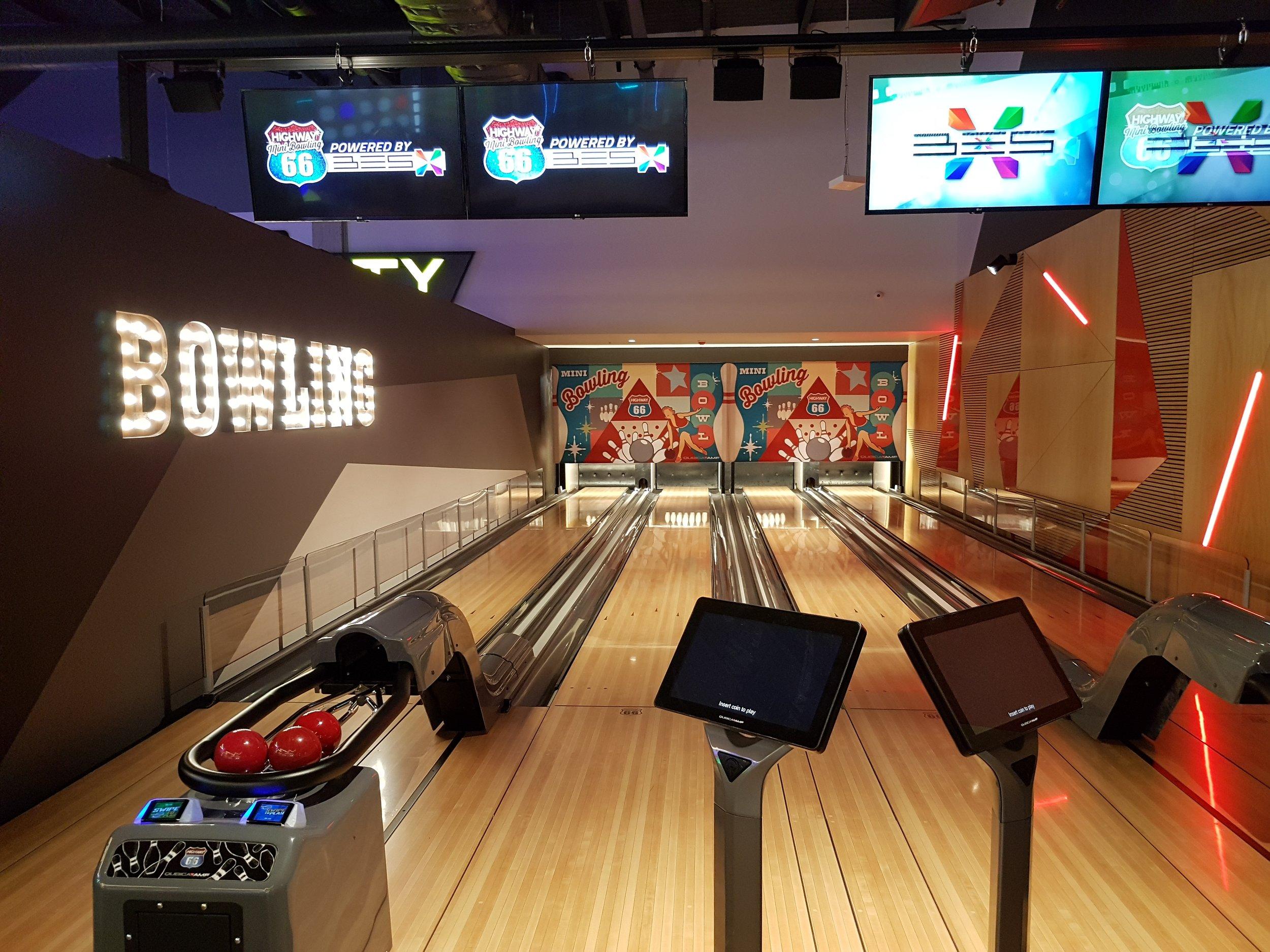 4 Bowling.jpg