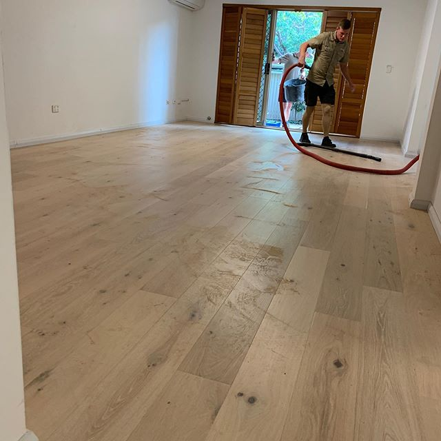 • Great way to finish the week with the install of this beautiful @havwoods_au floor. Last few elements of this project all coming together. #a_life_with_style