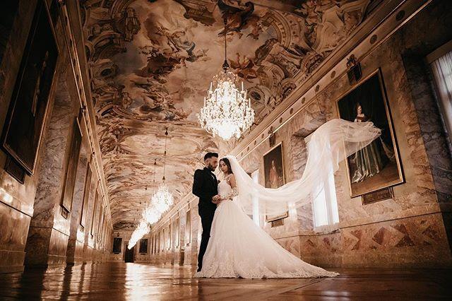 Just like a wing of a butterfly . . . . . #08181010 #theknot #weddingchics #weddingwire #themedwedding #fineartphotography #bride #weddinginspiration #studiophotogram #brideandgroom #hochzeitsfotografie #gelsenkirchen #gelsenkirchenwedding