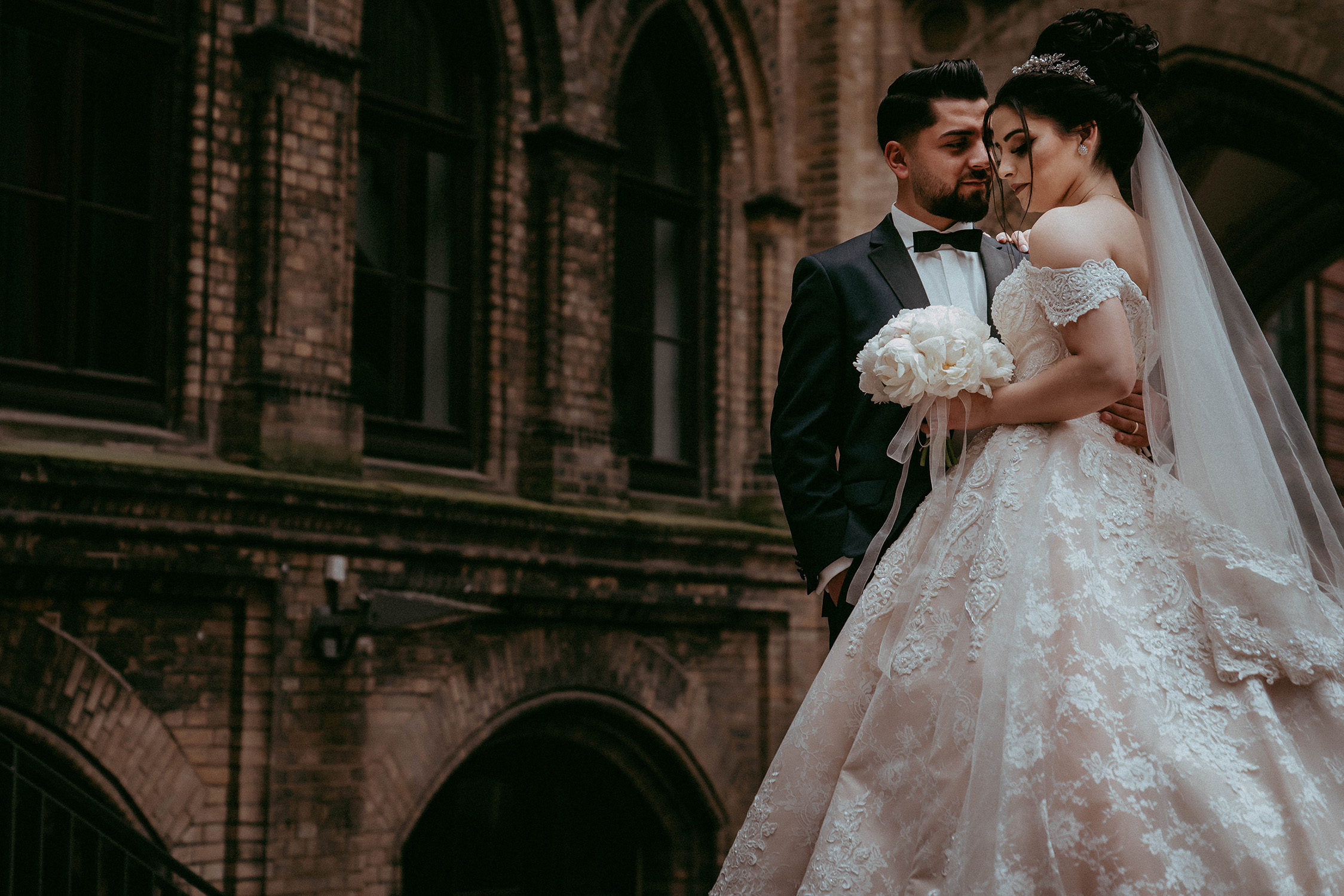 Das Brautpaar Umarmung.jpg