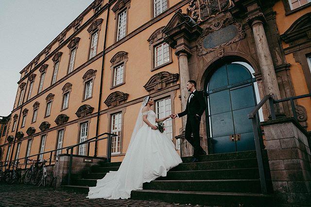 Stairway to heaven🎼 . . . . . #bridetobe2019 #theknot #weddingchics #themedwedding #weddingideas #weddingmoment #weddinginspiration #studiophotogram #hochzeitsfotografnrw #hochzeitsfotograf #gelsenkirchen #modernwedding #gelsenkirchenwedding #germanweddingstory #germanweddingphotography