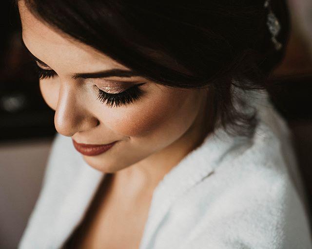 Shining bright like a bride. . . . . . #studiophotogram #instawed #01181012 #hochzeitsfotografie #weddingpreperation #bridetobe2019