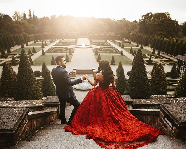 Seize the moment with the most special one . . . . . #01181017 #bridetobe2019 #weddingphotography #hochzeitsfotografie #hochzeitsfoto #gelsenkirchen #braut2019 #wanderingphotographers #hochzeit2019 #chasingmoments #hochzeitsguide #studiophotogram