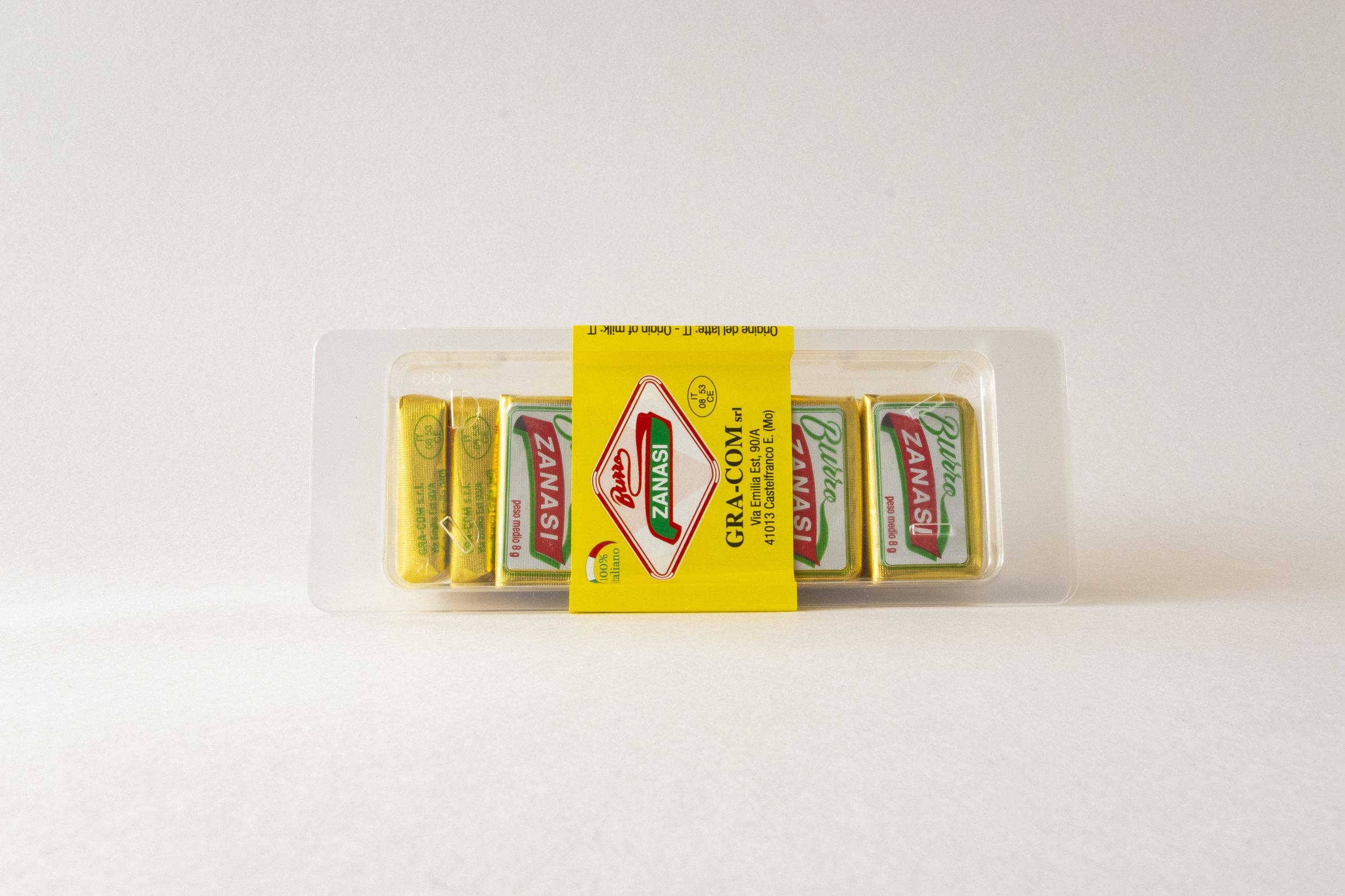 """Burro """"Family"""" Zanasi - 14 burro porzioni da 8gr ciascuno disposti in una comoda vaschetta."""