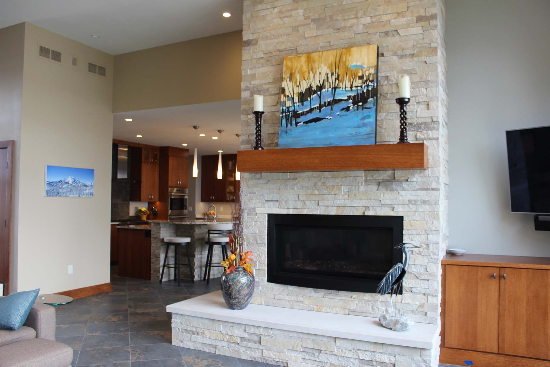 RMH_Golden_Lake_Contemporary_Living2.jpg