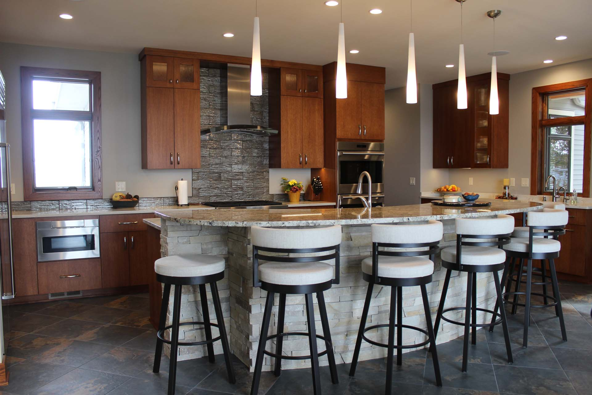 RMH_Golden_Lake_Contemporary_Kitchen.jpg
