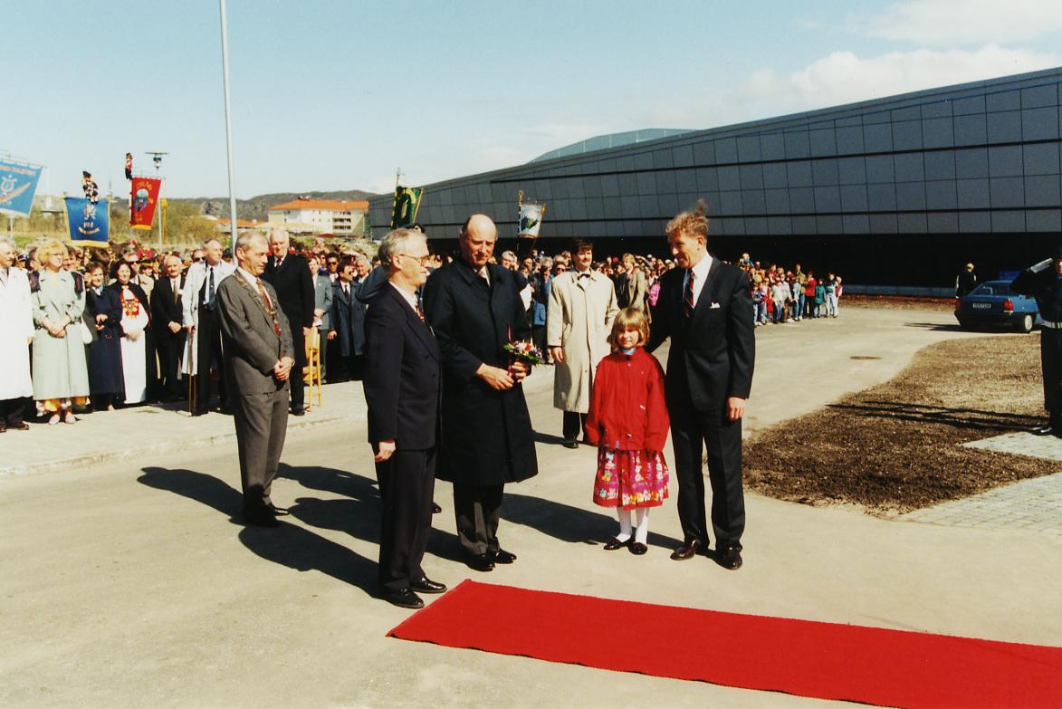 Kong Harald åpner museet i 1994