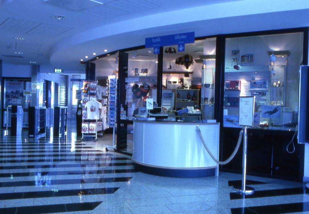 Resepsjonen med museumsbutikk