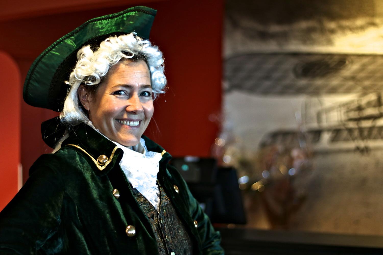 Pedagog Inger Anne Sigvang var kledd ut for jubileet