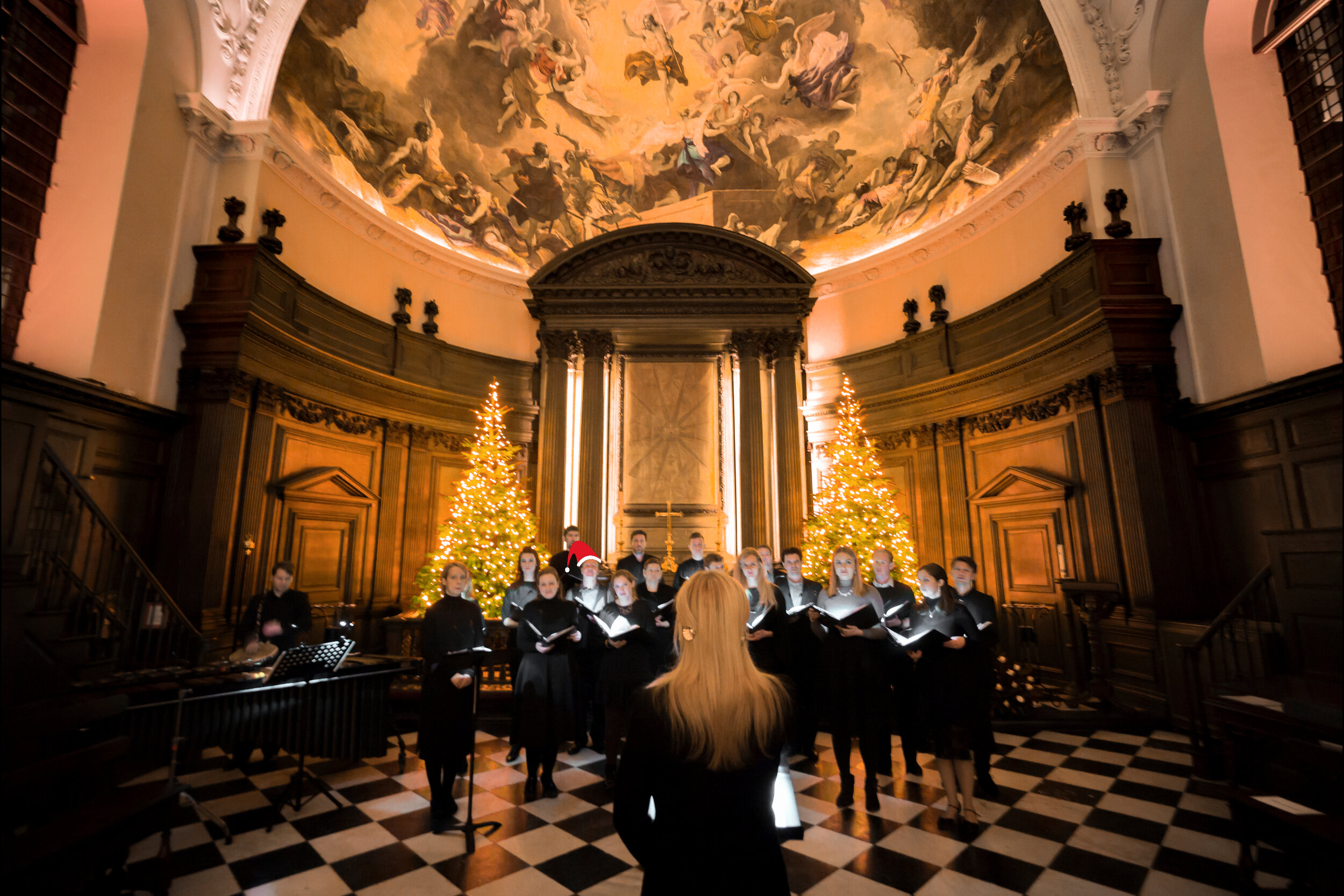 A seasonal special…. - At ORA Singers, we can't wait for Christmas, so we are offering composers nationwide the ORA Singers' Christmas Gift of a world-class professional recording of their Christmas carols.We'd love to hear Christmas works from composers of all ages and stages. and will be selecting 12 composers to have their compositions recorded by ORA Singers this December, each receiving a professional recording of their composition! Composers will also be able to join us on the 10th or 11th of December, during the rehearsal stages of their pieces, working alongside Suzi Digby OBE to fine tune their works.Get your entries to us before Monday, 18th November, for your chance to be considered this Christmas!