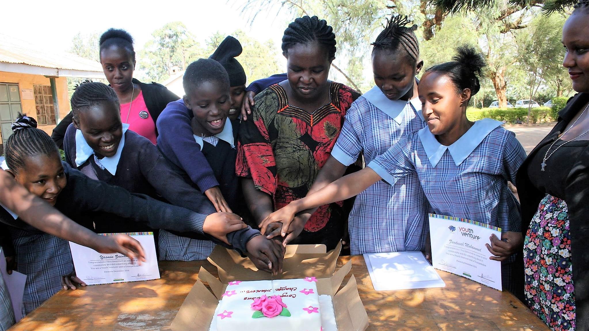 2016 - 21699 Kenya - drc cake.jpg